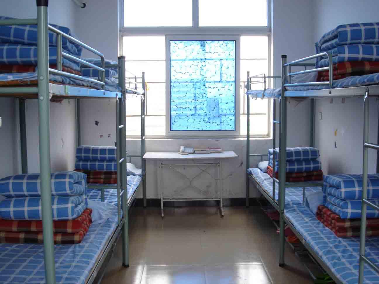 大学生宿舍
